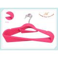 Fournisseur chinois Stylish Design Plastic Flocked Hanger pour la robe
