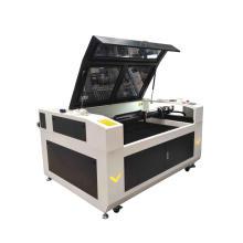 CO2-Lasergravierer und -schneider