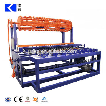 Field fence mesh weaving machine