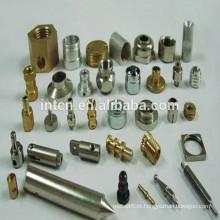 Serviços personalizados de usinagem em peças de metal