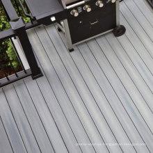 Piso compuesto de plástico durable de WPC del piso de madera impermeable y de la prenda impermeable