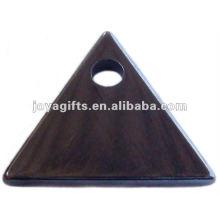 Pendentifs triangulaires en hématite