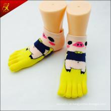 Feito-5 dedo do pé meia