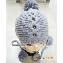 Sombrero de gorro de invierno de moda haciendo un sombrero de punto