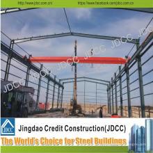 Taller de fábrica de estructura de acero ligero con grúa