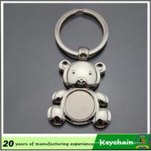 Forme d'ours de porte-clé en métal blanc