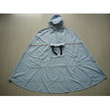 Yj-6017 Backpacking Nylon Poliéster impermeável Mens Hooded Poncho chuva para adultos