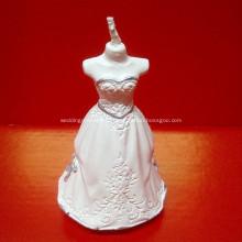 Романтическая свадьба жениха и невесты в форме свечи