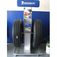 Soporte de exhibición de encargo móvil móvil de la publicidad, soporte de exhibición comercial del neumático para los neumáticos de coche