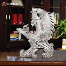 Inicio decoración piezas de lujo de plata de buena suerte pescado decorativas artesanías de resina para la decoración del hogar