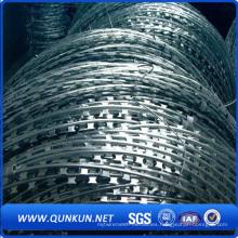 Fabricante especializado de la fábrica Razor Barbed Tape Wire