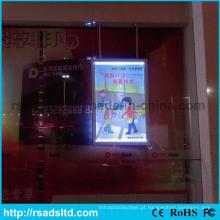 Frames populares do cartaz do diodo emissor de luz que anunciam a caixa leve
