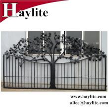 diseño de puerta de hierro antiguo con chapa galvanizada