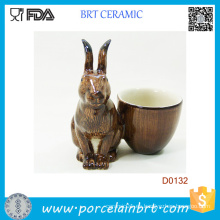 Taza de huevo decorativa popular de la porcelana del conejo
