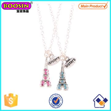 Collar pendiente al por mayor de la torre Eiffel de los cristales de la aleación del metal