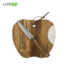 Tabla de cortar Apple Sharp con cuchillo