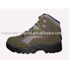 chaussures imperméables de randonneur