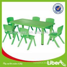 Tabela de crianças de plástico para jardim de infância, mesa quadrada, mesa de meia lua, mesa de criança e jogo de cadeira, tabela barata LE.ZY.003 Quality Assured