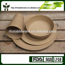 Новый набор посуды из фарфора для продажи