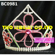 Coroas de desfile de flores de moda