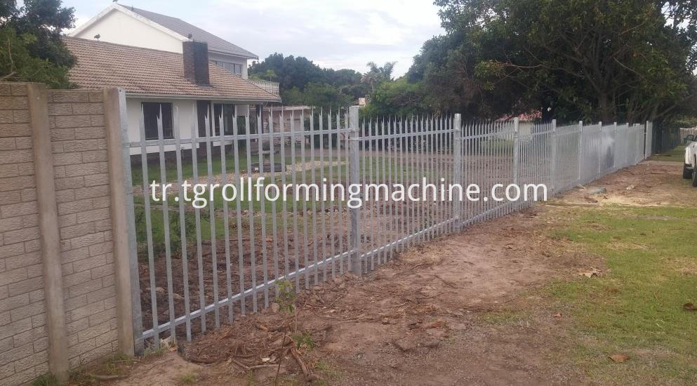 Hot Dipped Galvanized Metal Palisade Fencing Machine