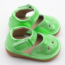 Popular Fruit Green Kids Squeaky Shoes Atacado
