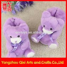 Fabriqué en Chine gros pantoufles en peluche animaux en peluche violet ours en peluche pantoufles