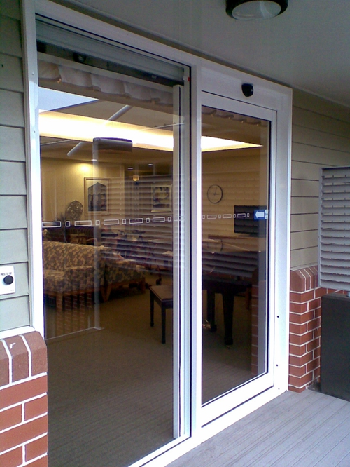 Automatic Sliding Doors for Business Building Entrances