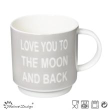 Color gris con palabras inglesas estable taza de café