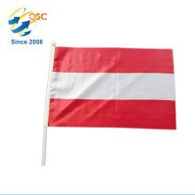 Gros vague main drapeau en polyester avec pôle en plastique au plus bas prix