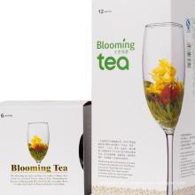 Diversas flores que florecen el té