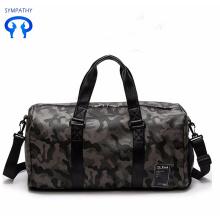 पुरुषों और महिलाओं के जिम बैग ले जाएं