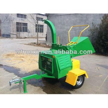 Diesel engine wood chipper/CE