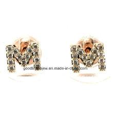 Buena calidad y 925 pendientes de perno prisionero de la plata esterlina CZ El cristal M pone letras a los pequeños pendientes iniciales para las mujeres y las muchachas E6320