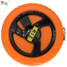 Корпус оранжевого цвета, нержавеющая сталь, рулетка с двойным принтом