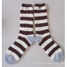 Lady′s Microfiber Fuzzy Socks with Embroidery Logo