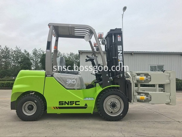 3t diesel forklift with paper roll clamp