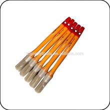 escova redonda de cabo de madeira