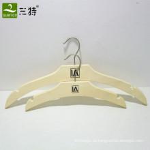 Kleiderbügel-Set aus naturbelassenem, naturfarbenem Schichtholz