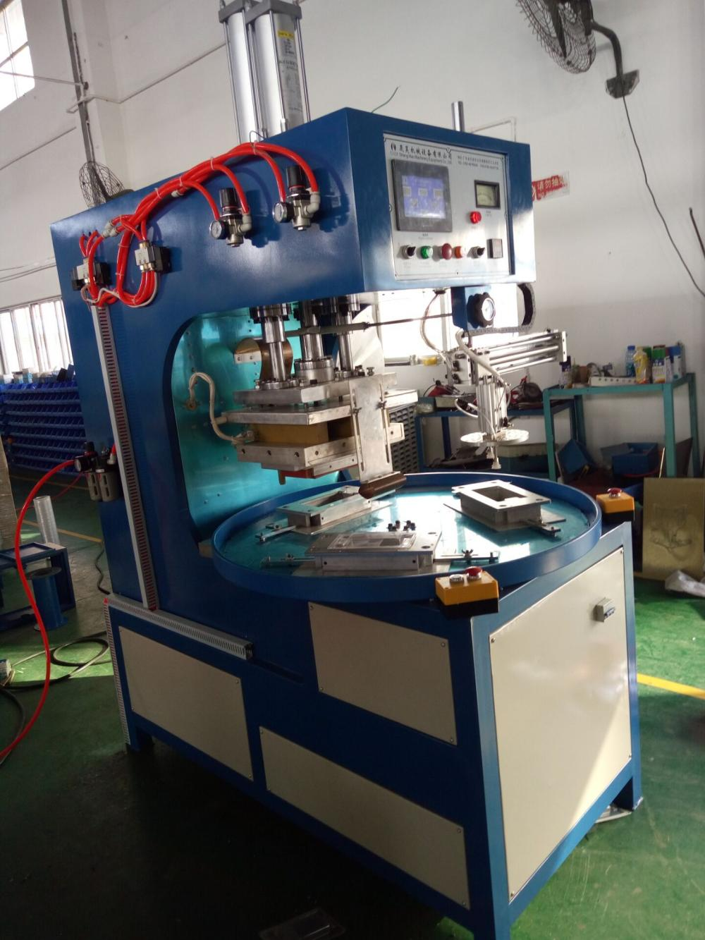 3 Working Stations Blister Sealing Machine With Manipulator