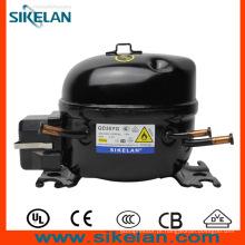 Compressor com o capacitor de partida e capacitor de funcionamento