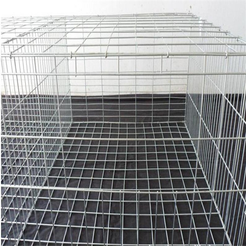 Metal mesh chicken basket