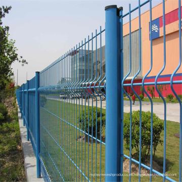 PVC azul cubrió la cerca del acoplamiento de alambre