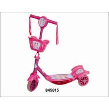 Поездка на автомобильном скутере Детский автомобиль (845615)