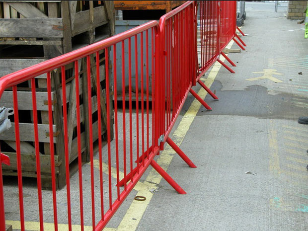PVC coated crowed control barrier