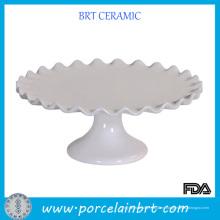 Soporte blanco caliente de la torta de boda de la venta con el borde del volante
