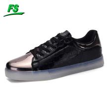 Jinjiang Hersteller Großhandel komfortable LED-Schuhe mit USB-Ladekabel