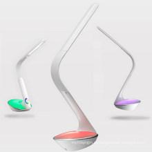 Lámpara de mesa LED con luz de noche cambiante de color (LTB805A)