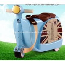Детский многофункциональный багажник для детей Kids Travel Suitcase