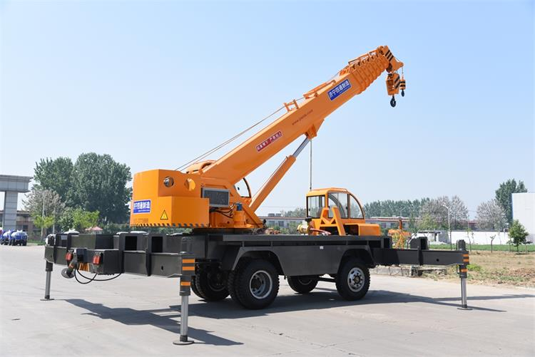 12 ton construction crane